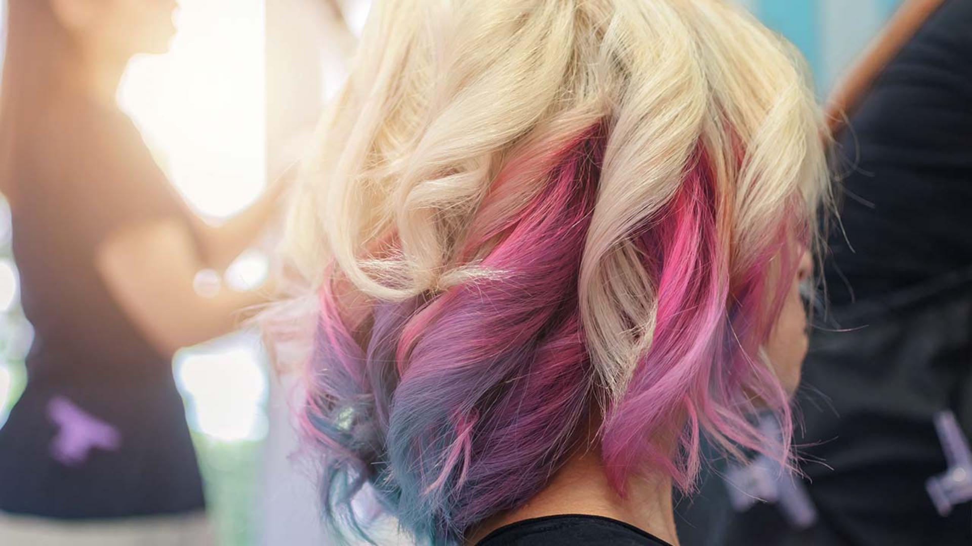 Правилна нега на обоена коса